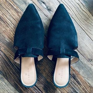 Black Caslon Flat Mule Slides